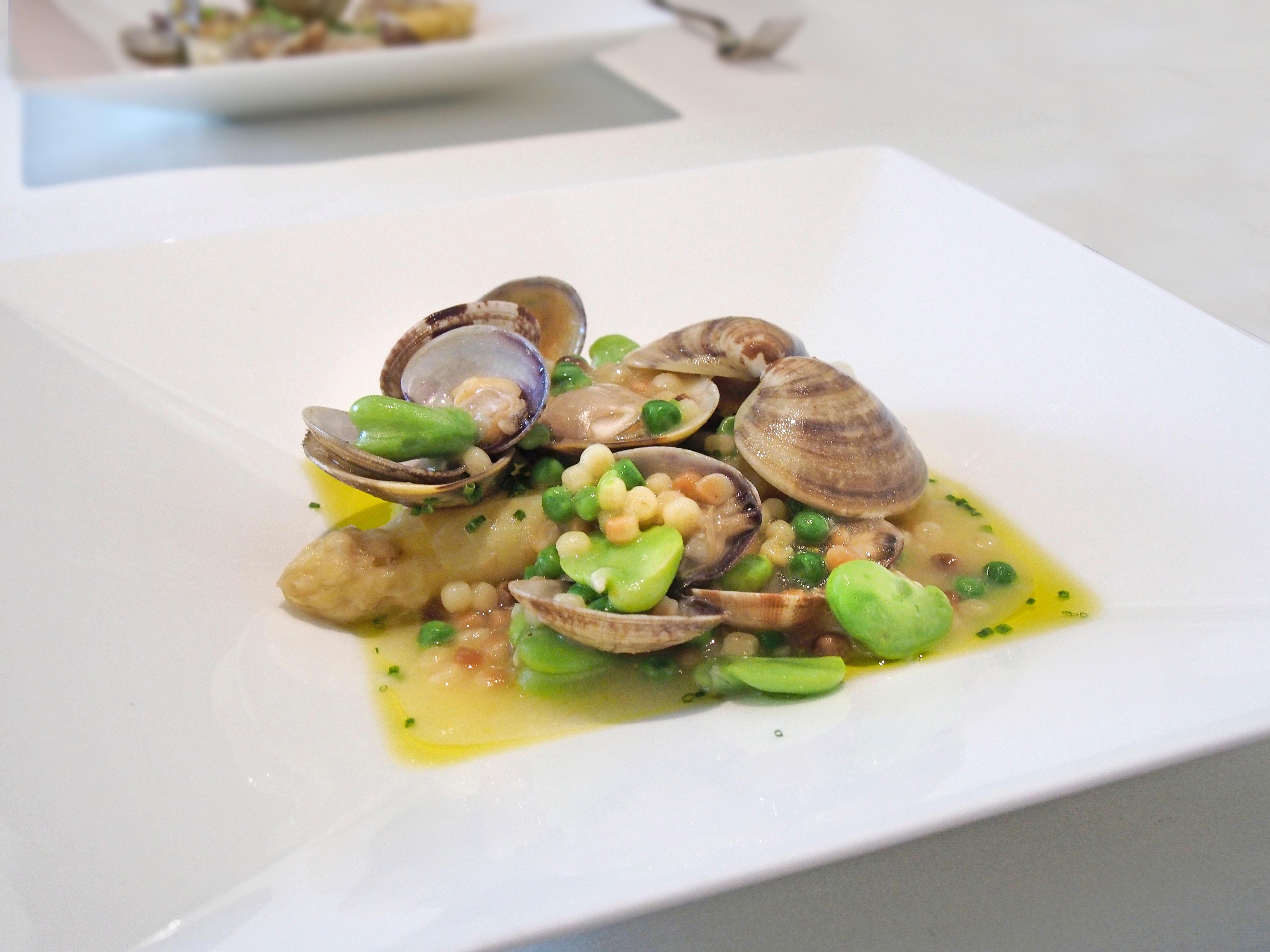 topic : イタリア産ホワイトアスパラガス!