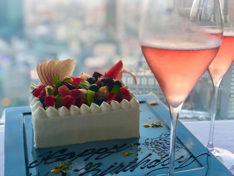「贅沢な自家製ケーキで思い出に残る記念日を」のイメージ写真