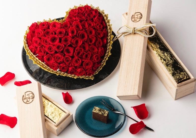 「黄金に輝く極上のチョコレートケーキを大切な方へのプレゼントに!」のイメージ写真